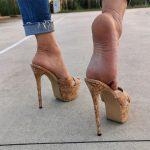 Krystal Feet Model