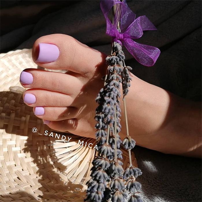 sandy-small-feet